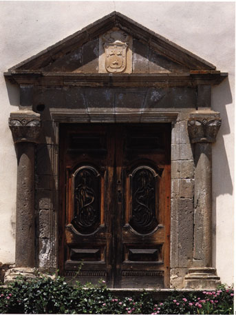 A a g n d s palazzo zapata barumini for Palazzo in stile spagnolo